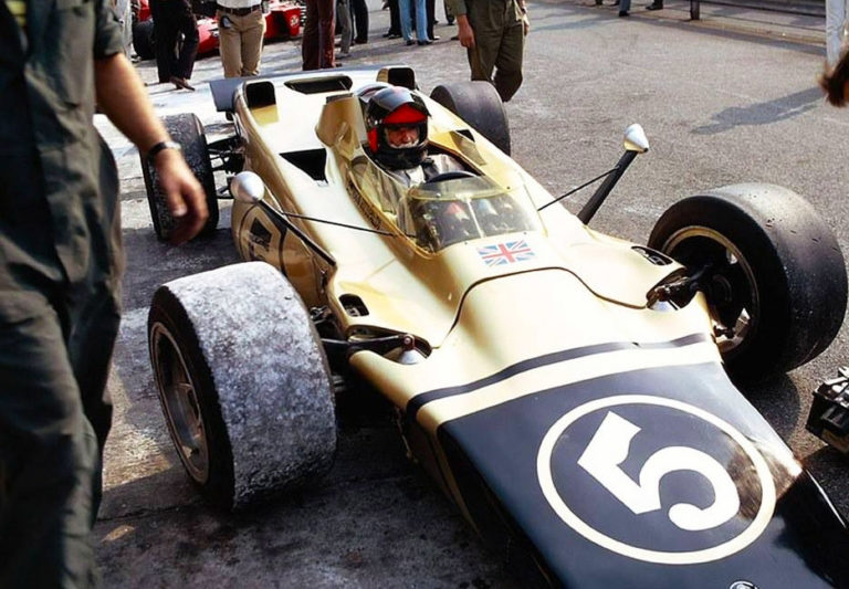 Emerson Fittipaldi tem bens penhorados